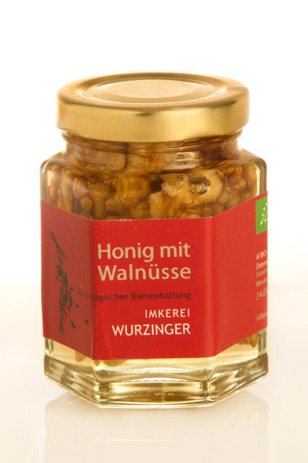 Honig mit Walnüssen